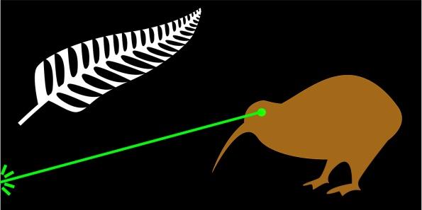 """Mẫu cờ """"Fire the Lazar"""" - tác giả James Gray, Auckland. Tia laze chiếu lên một hình ảnh nước New Zealand hùng cường."""